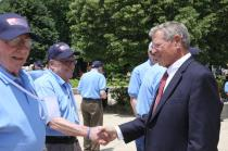 Inhofe Greets Oklahoma WWII Veterans at Honor Flight Event
